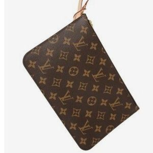 ❇️FIRM❇️Authentic Louis Vuitton Wristlet